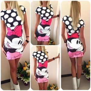 Dresses & Skirts - MINNIE MOUSE WOMEN SHORT DRESS SIZE MEDIUM